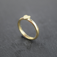 Heart Stacker ring in 9ct gold