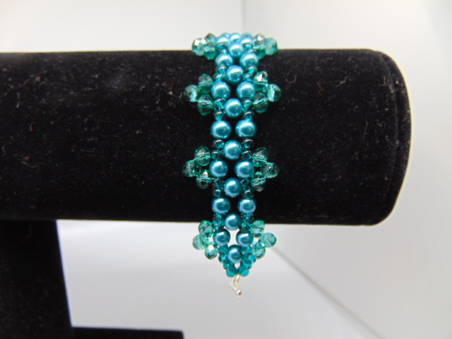 Vintage Party Pearly Beaded Bracelet in Teal and Green