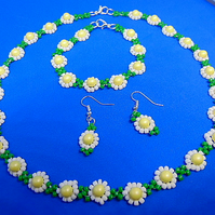 Daisy Chain Necklace Bracelet and Earring Set Glass Seed Beads Retro