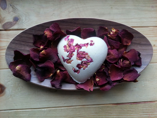 Rose Heart Bath Truffle 90g