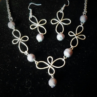 wire and bead necklace and earring set