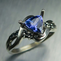 Natural purple blue Tanzanite & sapphire 9ct 375 white gold all sizes