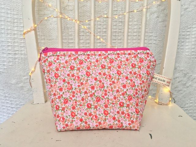Peach Floral Ditsy Small Make-up Bag