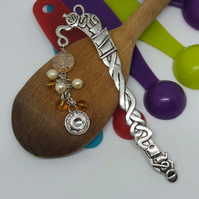 Teatime beaded bookmark with teacup