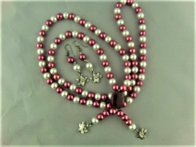 Necklace and Earrings Set Made Using Cream and Pink Pearls