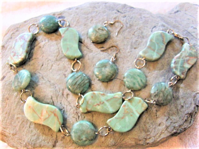 Wavy Turquoise Beads & Jasper Discs Beaded Necklace and Earrings Set