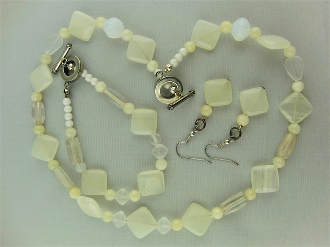 3 Piece Jewellery Set Made Using Honey Jade Beads and White Glass Beads