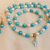 Blue & Cream Freshwater Pearl Jewellery Set With A Mother of Pearl Cross