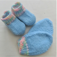 Hand Knitted Baby Mittens and Boots Set, Baby Shower Gift, New Baby Gift