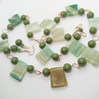 Green Jade and Glass Trapezoid Shaped Bead 3 Piece Jewellery Set