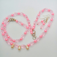 Pink Crystal and Pink & Cream Pearl 3 Piece Jewellery Set