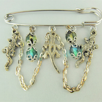 Ladies Kilt Pin Brooch with Teal & Green Crystals and Silver Plated Lizard Charm