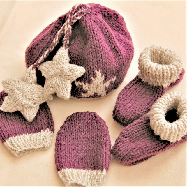 3 Piece Hat Set with Star Motif, Hand Knitted Hat Set, Baby Shower Gift
