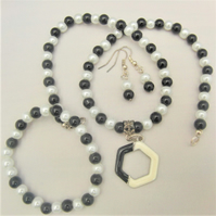 SALE - Black and White Pearl Jewellery Set with Enamel Pendant, Gift for Her