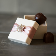 Jocasta Wedding Favour Box