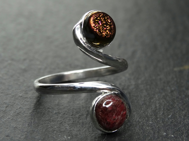Tristan ring. sterling silver, ruby and druzy, gemstone . Fully adjustable