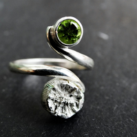 Peridot, sterling silver cast shell, adjustable Tristan ring