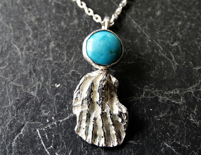 Coral chip pendant set with turquoise