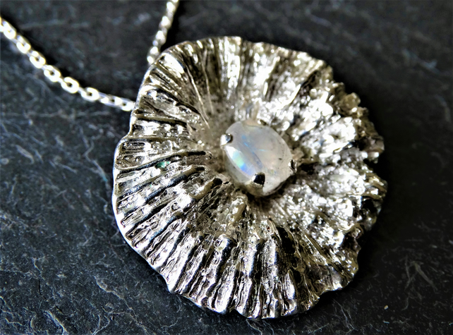 Coral disc pendant - moonstone