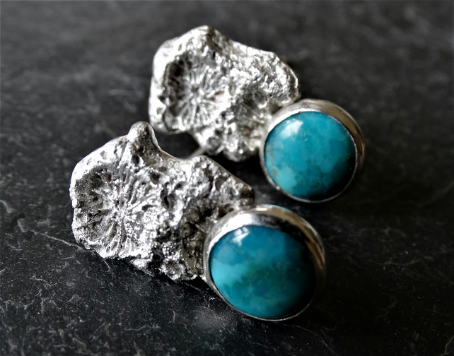Coral chip studs, set with turquoise