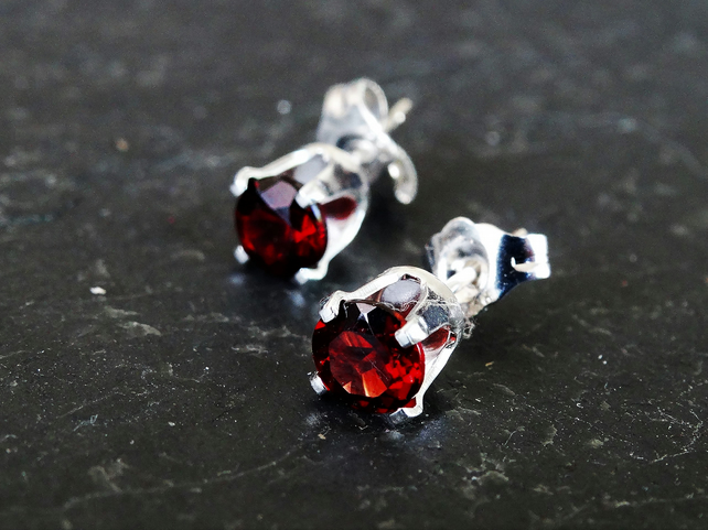 Garnet studs small and delicate