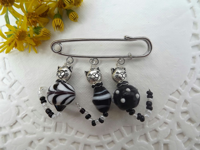 Cat Brooch Kilt Pin. Black and White Cats