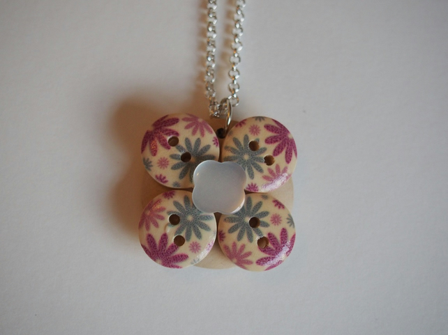 Flower Button Necklace