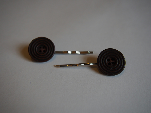 Brown Button Hair clip