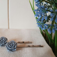 Grey flower hairclips