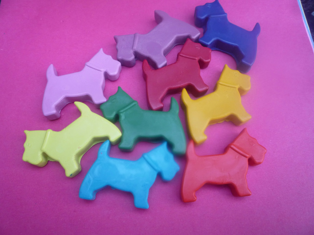 handmade novelty scottie dog shaped wax crayons x 8