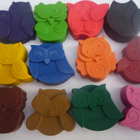owl shaped novety handmade wax crayons x 8