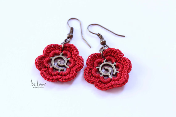Red flower earrings. Crochet fiber jewellery