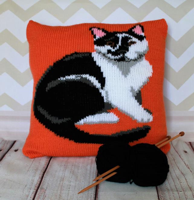 Knitting Pattern PDF - Black & White Cat Portrait Cushion Cover
