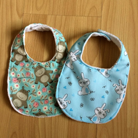 Pack of 2 baby bibs choice of prints