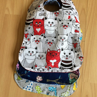 Toddlers pack of 3 Bibs waterproofed