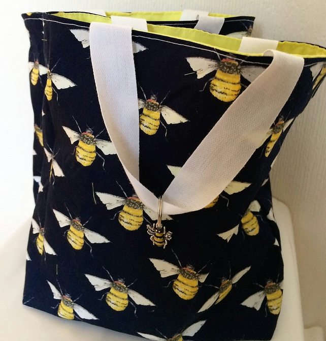 Love Manchester Child's Bumble bee Bag