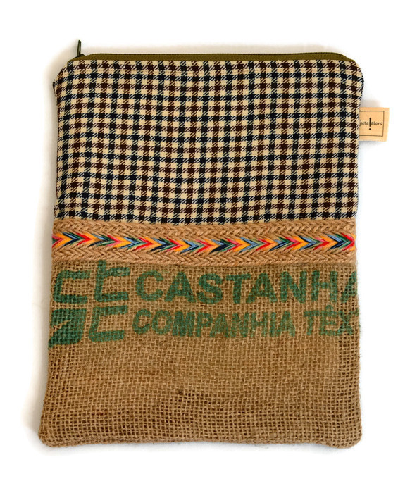 Hessian Zippered Gadget Case