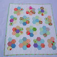 Vintage Style Hand-sewn Cot Quilt
