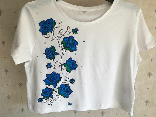 ROSES & BEADS - cropped jersey t-shirt
