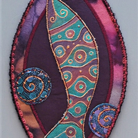 "FSP009 - Fish Shield Wallhanging - aubergine - teal green - copper - 22.5cm (9"")"