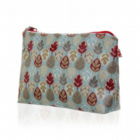 Leaf design Oilcloth Washbag