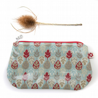Leaf design Oilcloth Purse