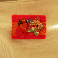 Bright and cheerful felt eclectic brooch