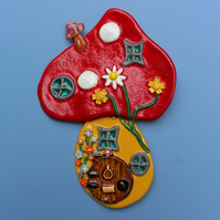 Fairy House Wall Plaque Hanging – handmade ceramic fairy toadstool house picture