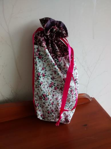 Drawstring Gift Bag in Rose Floral Print