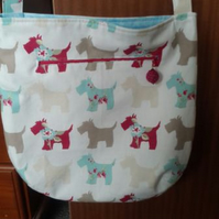 Large Roomy Easy to Wear Casual Handbag Bag  in a fun Scottie Dog print