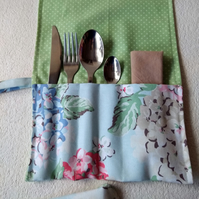 Cutlery roll and placemat