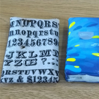 Pocket tissue cover with script print