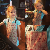 Organic cotton children's apron with vintage cooks print