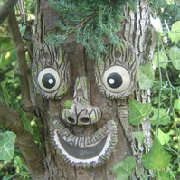 Cross-eyed tree face, garden decoration sculpture statue handmade gifts